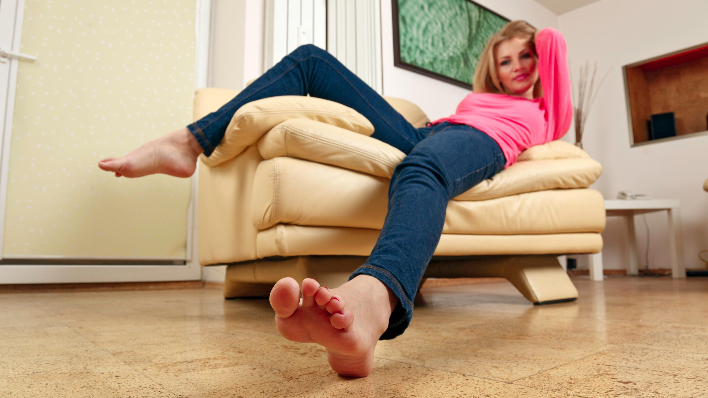 Human Rights >> Clara - Hot blonde showing her wrinkled soles | FeetJeans.com